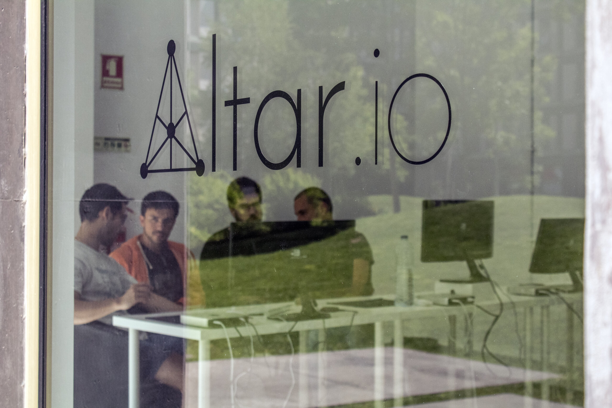 Altar.io - Team photo 6