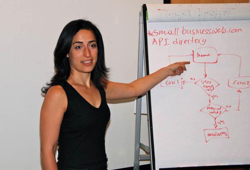 CTO Nelly Yusupova teaching at TechSpeak for Entrepreneurs